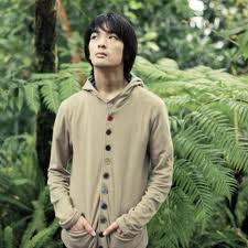 Shugo Tokumaru tours west coast