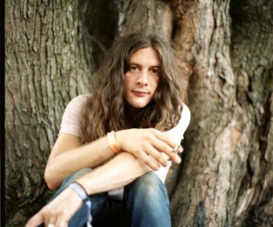 """Kurt Vile Day in Philadelphia, check out the video """"KV Crimes"""" recent tour dates also announced"""