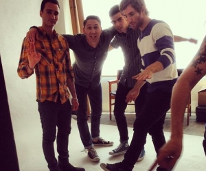 """Listen new Smallpools track """"Mason Jar"""" from EP, out 7/16 RCA Records. Smallpools are going on tour with San Cisco"""