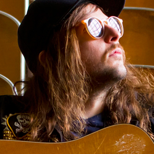 """King Tuff Premieres New M. Wartella-Directed Video For """"Sun Medallion. King Tuff will tour this fall with Waaves and jacuzzi boys"""