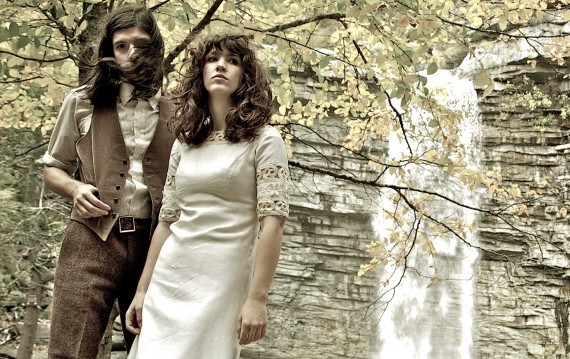 """Widowspeak band member Molly Hamilton chats with Charles Brownstein from Northern Transmissions. """"The Swamps"""" EP is now out on Captured Tracks"""