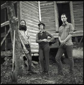 """Mount Moriah share new video for """"Miracle Temple Holiness"""" & tour with Sallie Ford and the Sound Outside"""