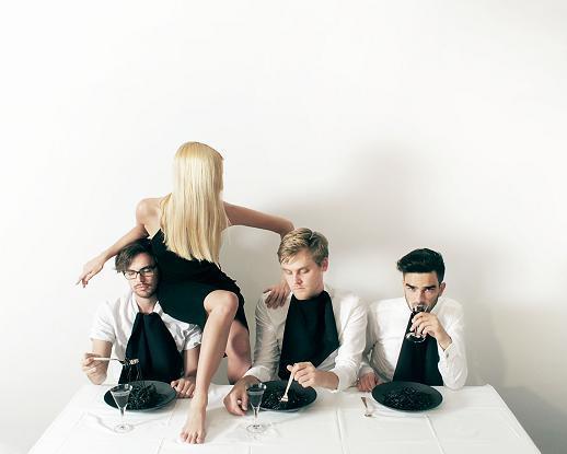 VUURWERK sign to UK Independent Lo Recordings.