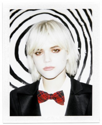 """Soko releases her new video for """"Lovetrap"""" featuring Ariel Pink"""