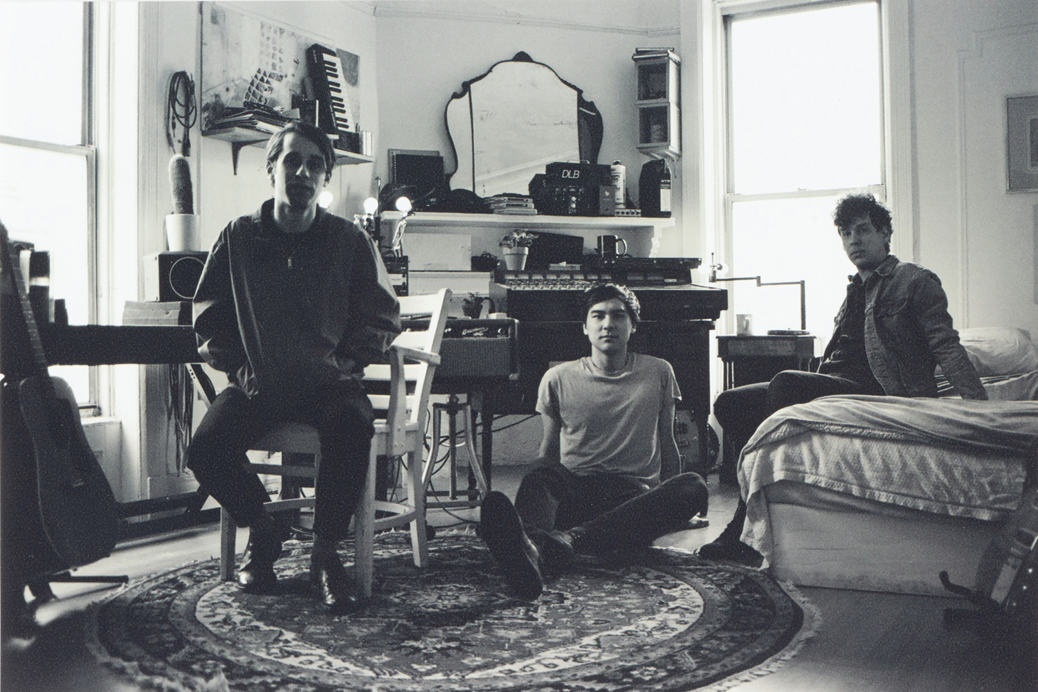 Captured Tracks Announces New Artist EZTV, will release 'Dust In The Sky' 7""