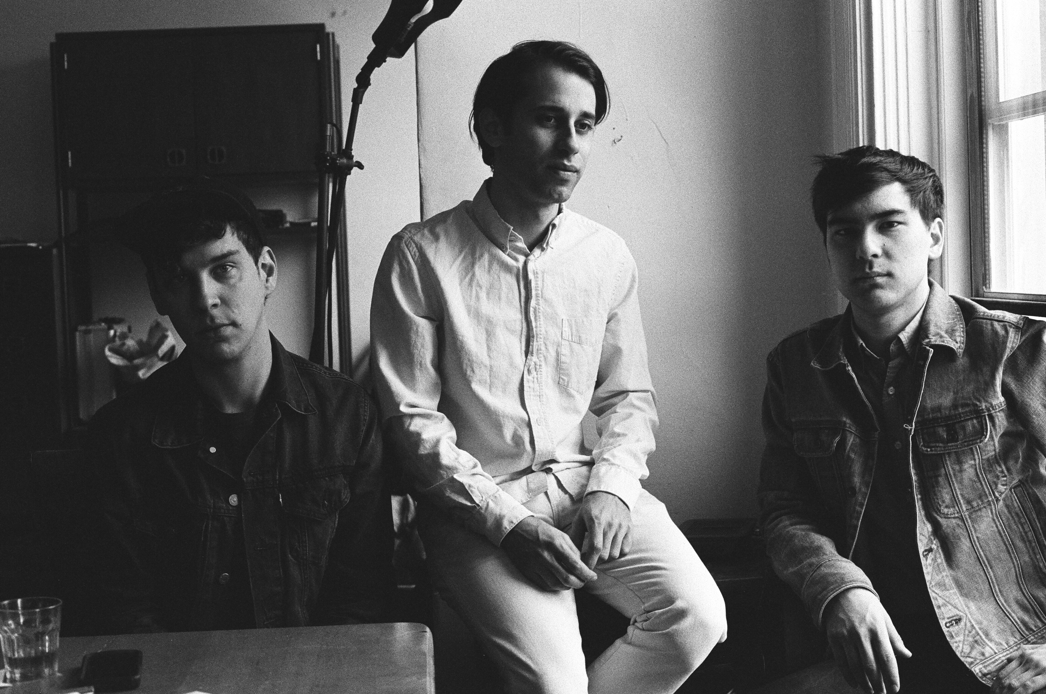 Captured Tracks To Release EZTV's Debut Album 'Calling Out' Out July 10th.