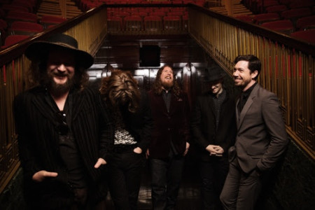 My Morning Jacket announce new US tour dates, including stops in Los Angeles and New York.