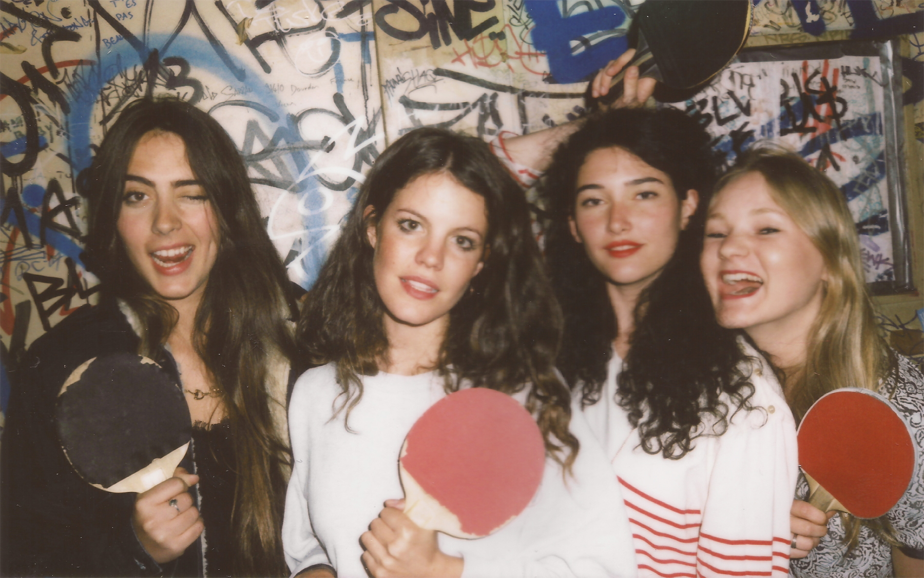 """HINDS unveil their video for """"CHILI TOWN"""", the track comes off their six song self-titled EP"""