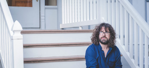 "Lou Barlow shares second single ""Wave"", from his forthcoming release 'Brace The Wave',"