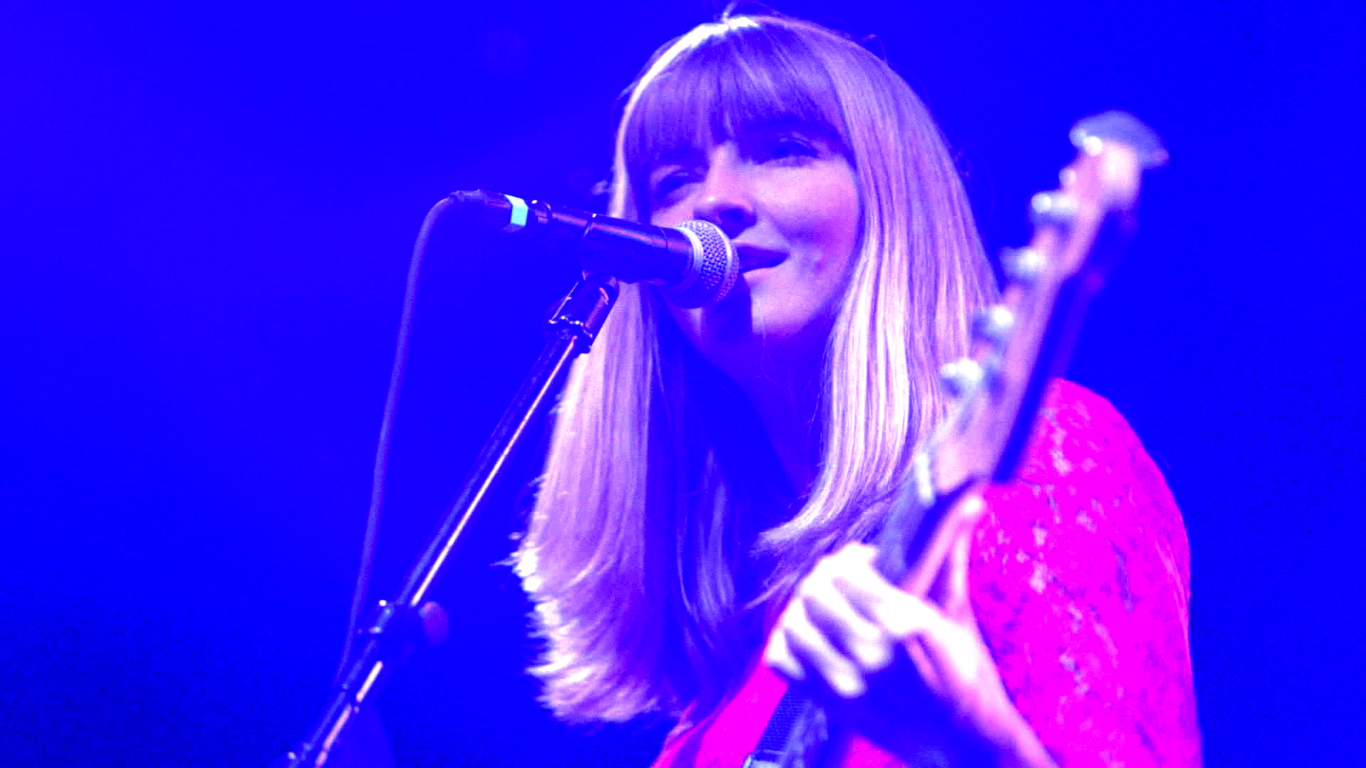 """La Sera shares music video for """"10 Headed Goat Wizard"""""""