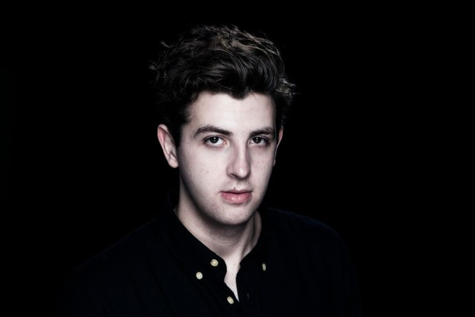 Jamie xx has today revealed the video for 'I Know There's Gonna Be (Good Times)'.