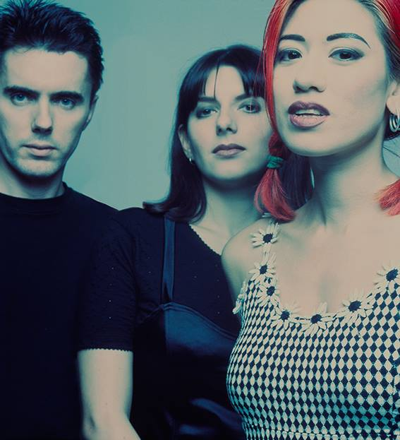 UK shoegaze band Lush announce reunion, To celebrate the band's return, 4AD will be putting out a vinyl edition of their 'best of' compilation 'Ciao'.