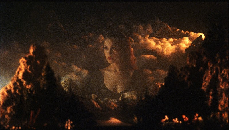 """Joanna Newsom's """"Divers"""" Video Now Out"""