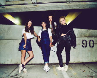 "HINDS unveil video for ""Garden"", announce new European Tour Dates, starting October 31st in Paris."