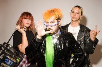 """So Pitted signs to Sub Pop Records, shares 'neo' album release details, out February 19th""""."""