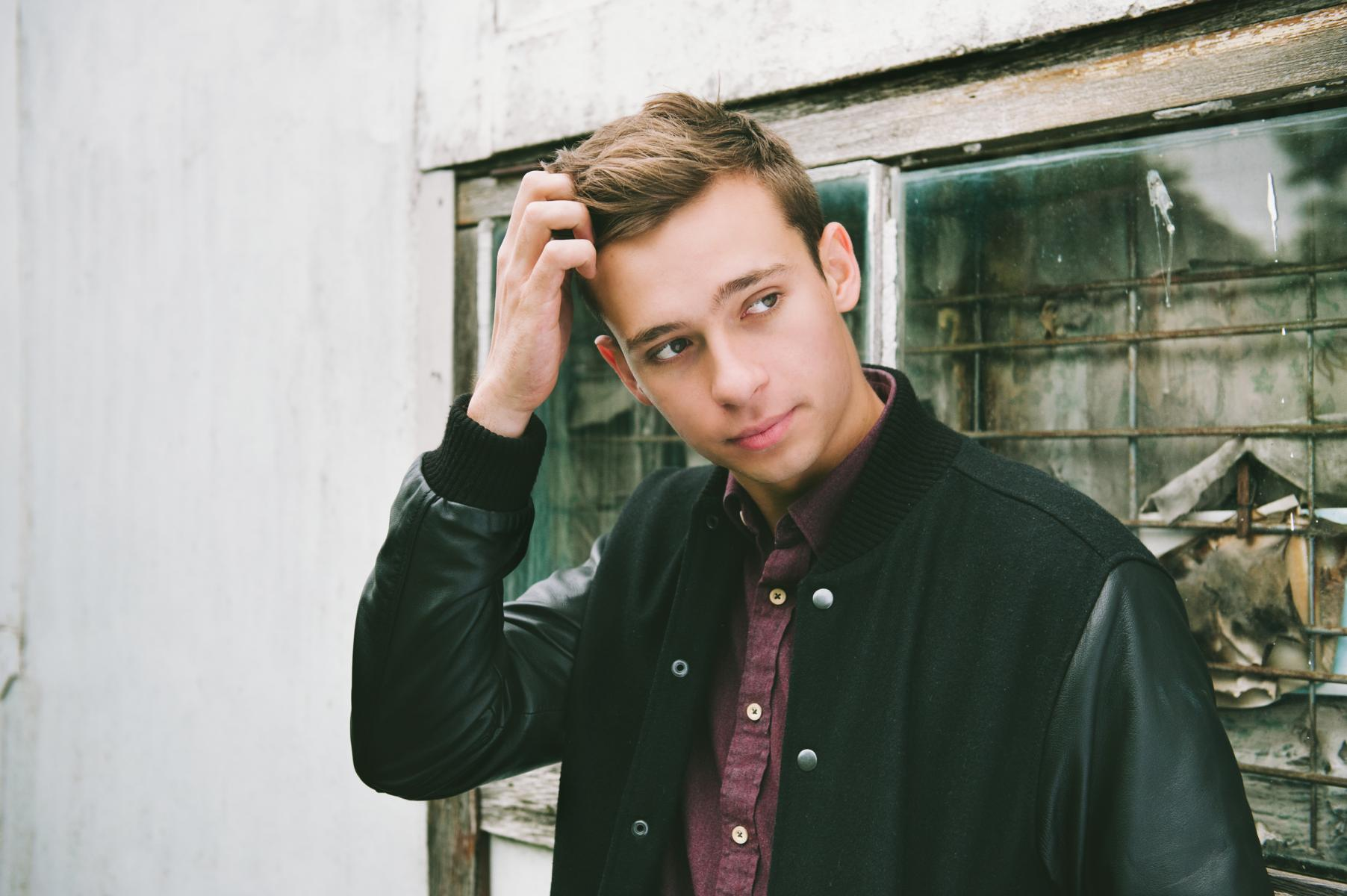 "Flume releases new video, for his single ""Never Be Like You"""