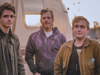 """Omni release debut single """"Afterlife"""", the track comes off their forthcoming debut release 'Deluxe'. out July 8th"""