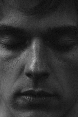 "Benedikt premieres video for ""I'm Yours"""