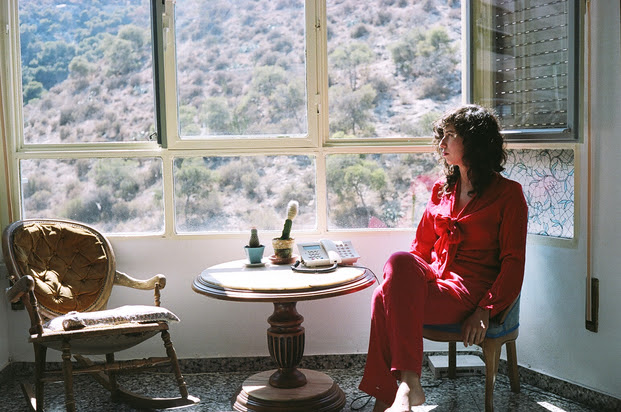"""""""Uno De Tus Ojos"""" by Maria Usbeck is Northern Transmissions' 'Song of the Day'"""