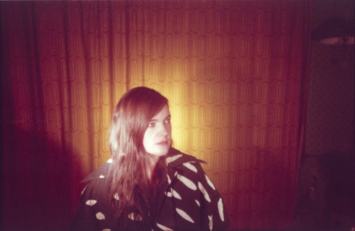 "Julianna Barwick streams new track ""Same"" ft: MAS YSA"