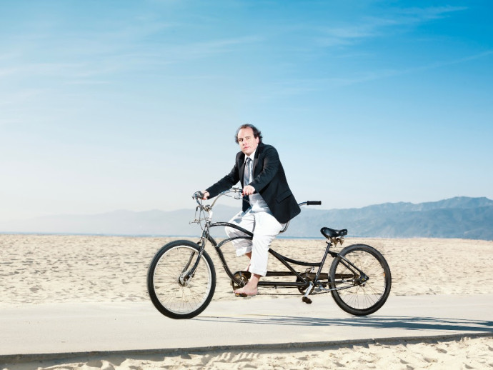 """Har Mar Superstar drops new single """"It Was Only Dancing"""""""