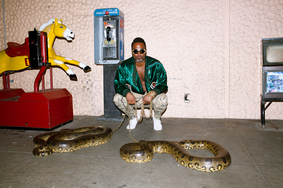 "Shabazz Palaces release ""Dawn In Luxor"" video."