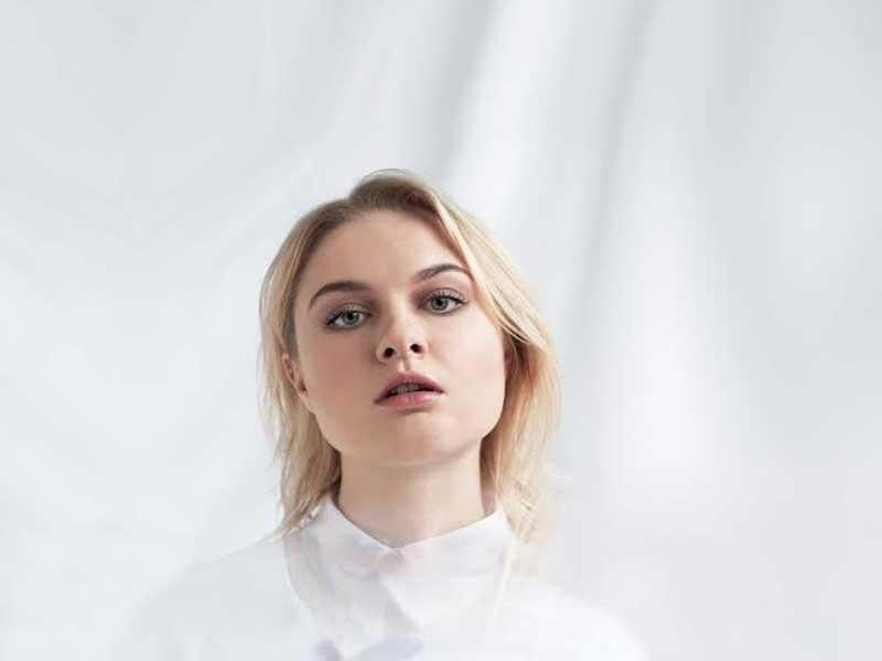 "DJ Koze releases remix of Låpsley's ""Operator"""
