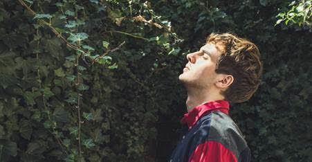 "Roosevelt shares ""Colours"" remix by Tyler Pope of LCD Soundsystem, launches North American tour with sold out shows in Los Angeles, San Francisco, and New York."