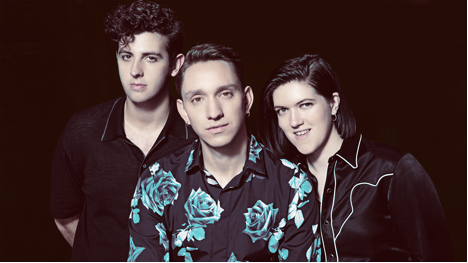 Watch The xx on Saturday Night Live.
