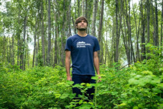 Ben Gibbard is set to release a vinyl only album covering Teenage Fanclub's 'Bandwagonesque'.