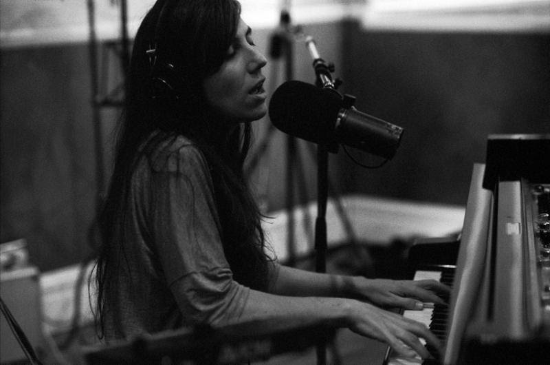 Julia Holter announces live studio album 'In The Same Room' out March 31 through Domino Documents