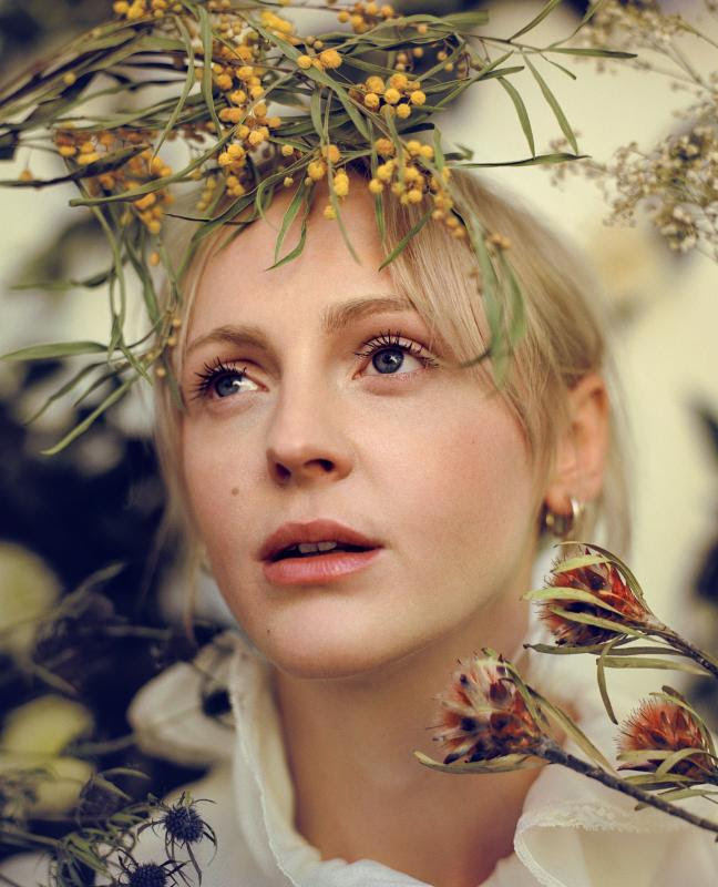 """Laura Marling releases new song """"Wild Fire"""""""