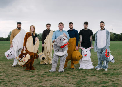 "Los Campesinos! share new track ""5 Flucloxacillin"""