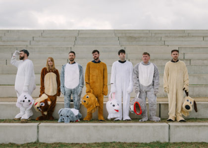 "Los Campesinos! share new song ""The Fall Of Home"""