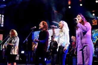"""Today Broken Social Scene Shares Their First New Song in 7 Years, """"Halfway Home"""""""