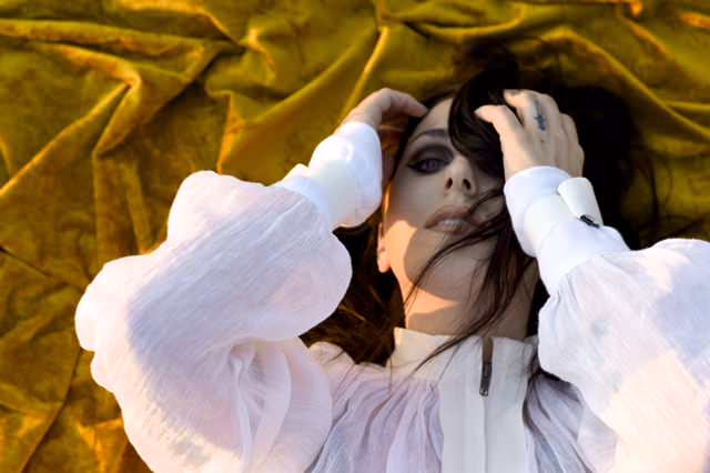"""Chelsea Wolfe shares new single """"Vex"""""""