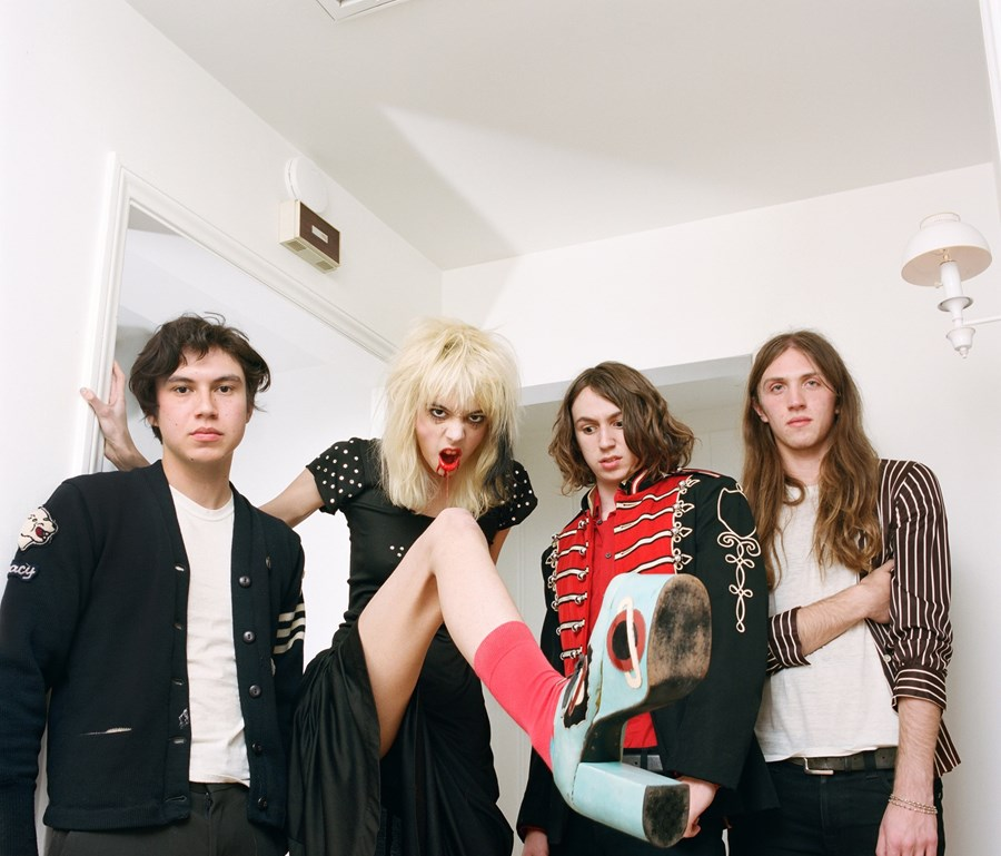 """STARCRAWLER debut video for """"Let Her Be"""""""