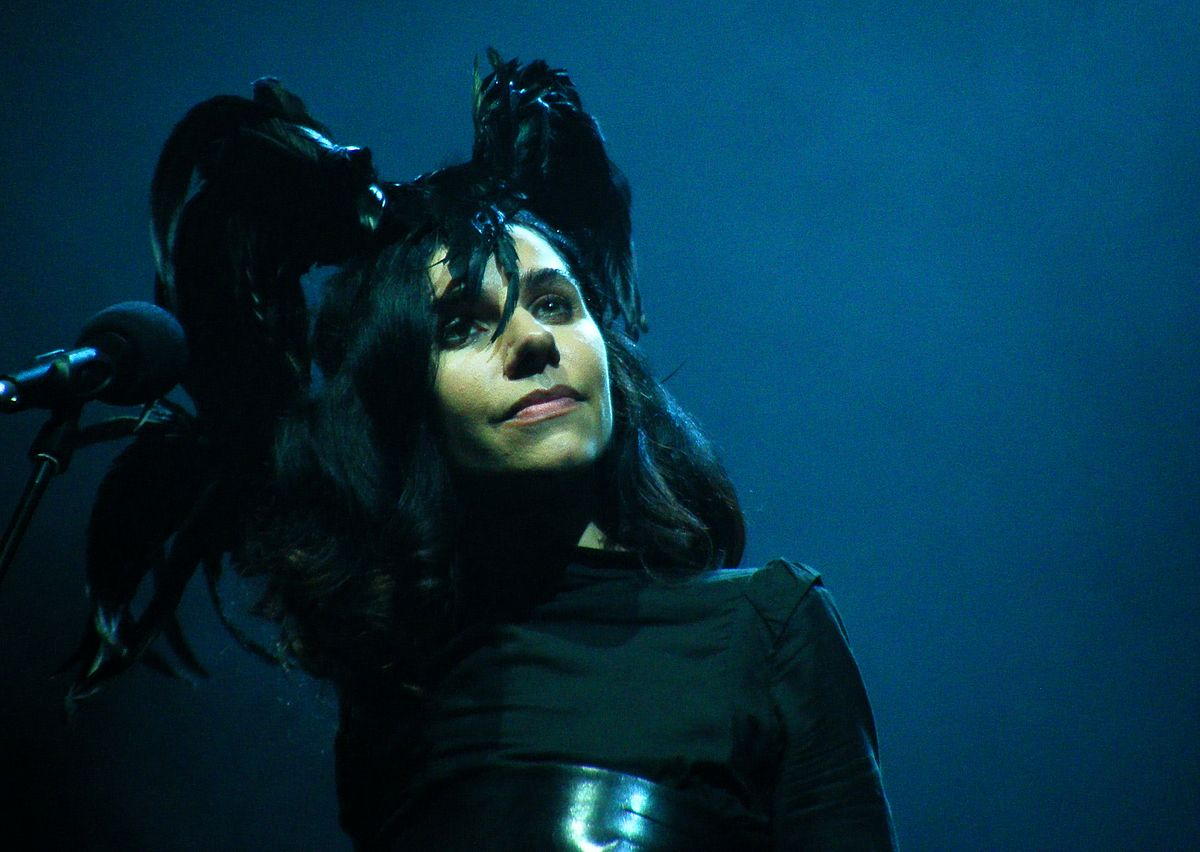 """PJ Harvey and Harry Escott collaborate on new song """"An Acre Of Land"""""""