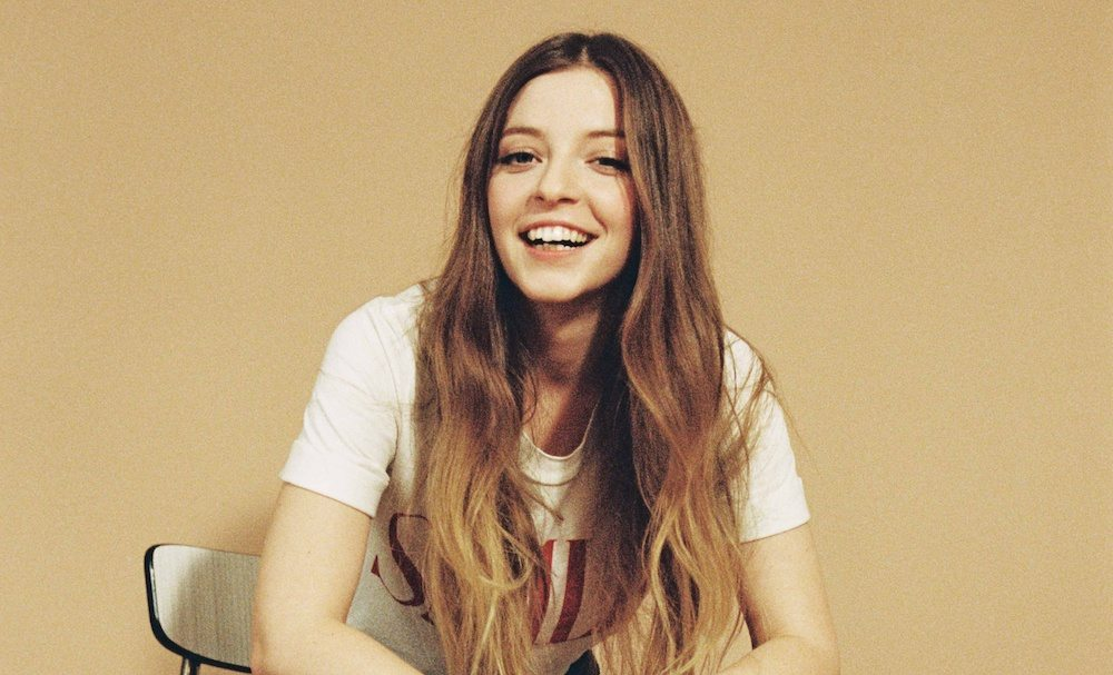 """Jade Bird shares new single """"Furious"""", the track is off her current release 'Something American'"""