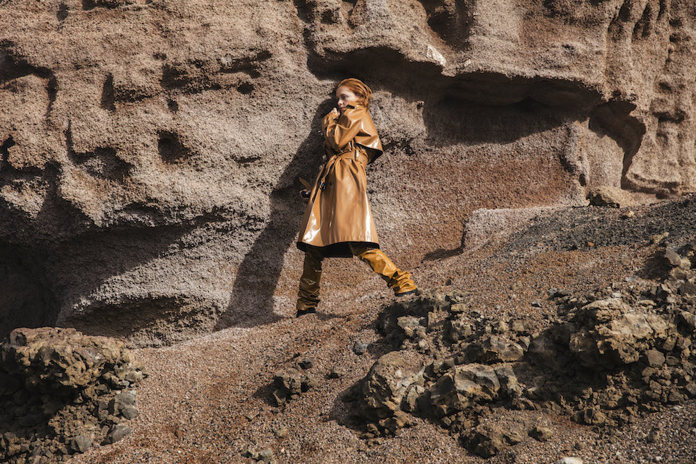 "Goldfrapp shares new version of ""Ocean"" featuring Dave Gahan"