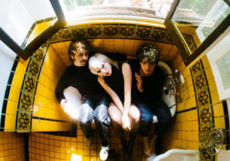 """Sunflower Bean announce 'King of the Dudes' . Share new single """"Come For Me"""""""