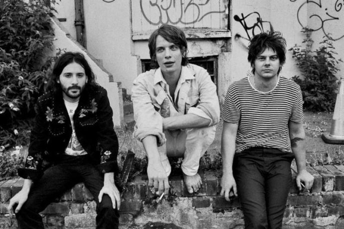 """UK band Yak have their new single and video """"This House Has No Living Room"""" featuring Jason Pierce of Spiritualized/Spaceman 3"""