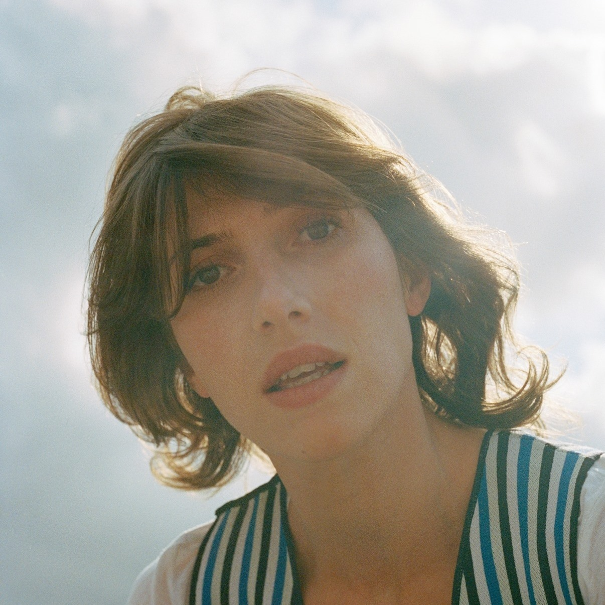 """Aldous Harding has Shared a new single/video for """"Fixture Picture."""""""
