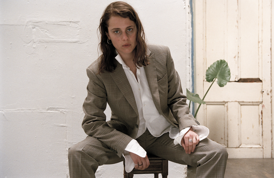 "Marika Hackman has dropped her new single ""i'm not where you are"""
