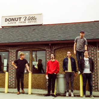 """Sub Pop's Rolling Blackouts Coastal Fever have dropped a new video for """"Read My Mind."""""""