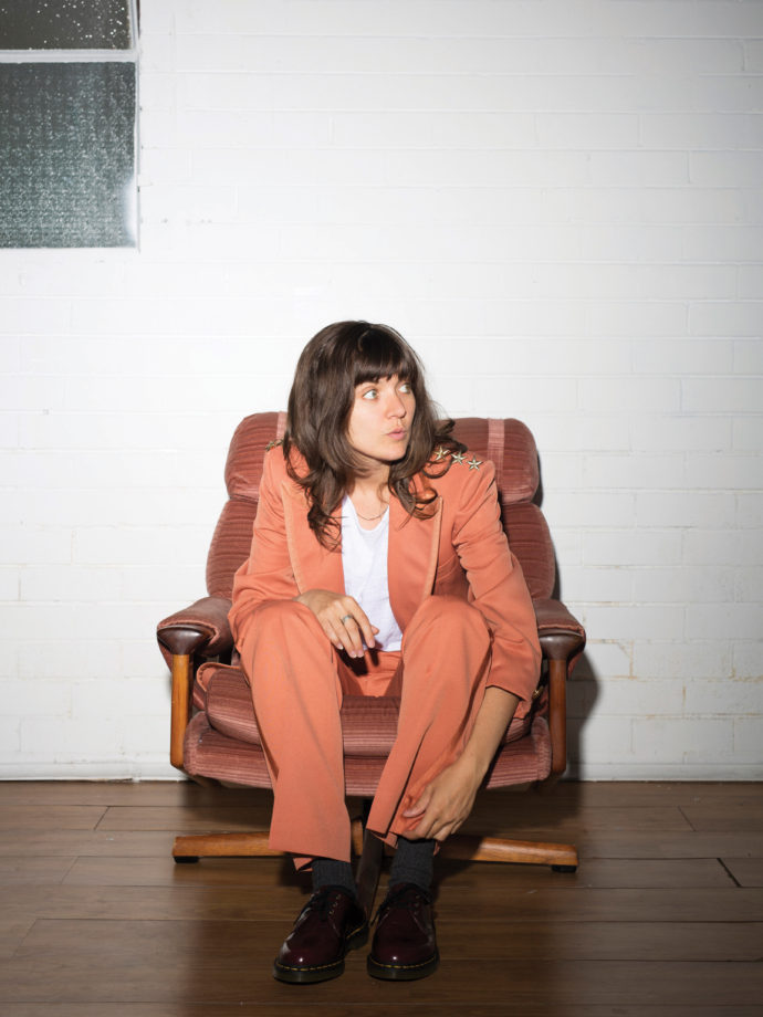 """Courtney Barnett has Shared her new single """"Everybody Here Hates You."""""""