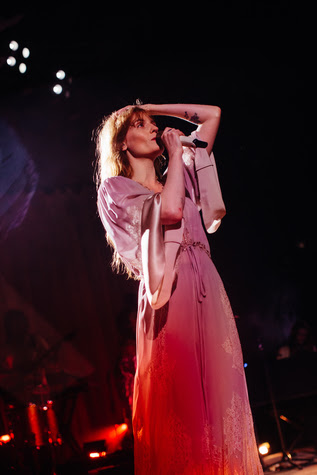 "Florence + the Machine debut Game of Thrones track ""Jenny of Oldstones"" live, last night at FORM Arcosanti."