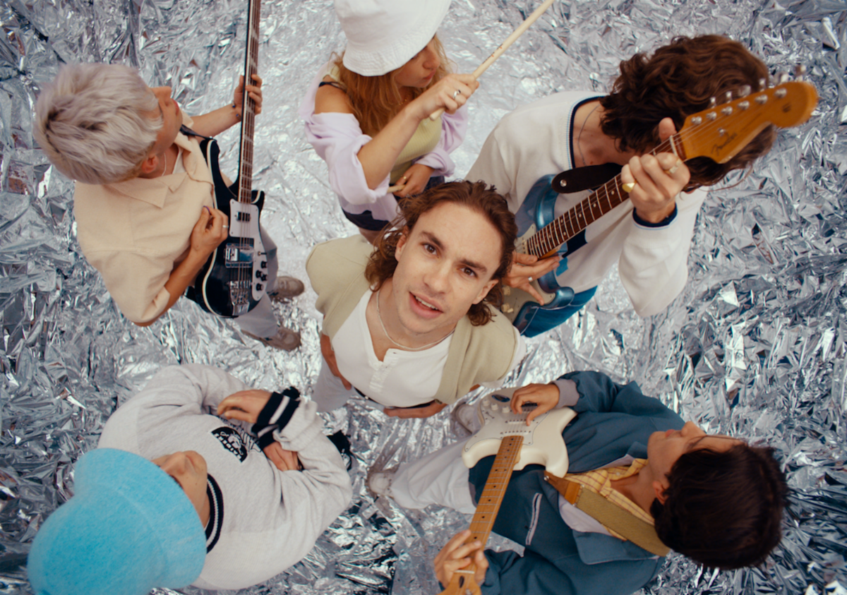 """Sports Team, have shared a new video for """"Fishing,"""" directed by Kris Rimmer, captures the six-piece performing the track in a surreal studio setting"""