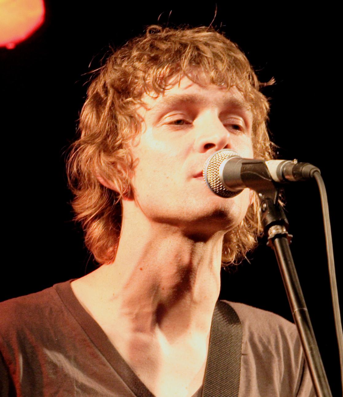 Brendan Benson has announced the reissue of his debut album One Mississippi