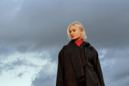 "Låpsley debuts new single ""Ligne 3"""